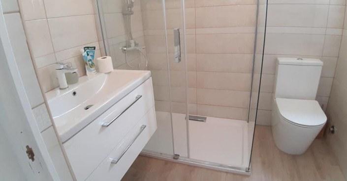 Enteriőr - fürdőszoba - tothmobilhaz.hu